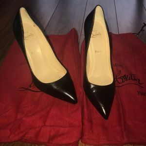 Authentic Christian louboutin pointed black heels