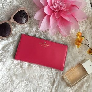 🌸OFFERS?🌸Kate Spade Leather Hot Pink Snap Wallet