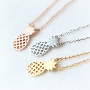 Jewelry - 🍍Rose Gold Dainty Necklace🍍