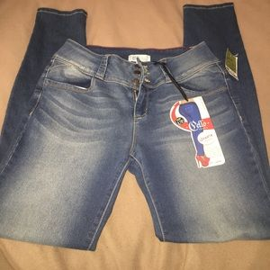 Skinny jean size 11(stretch a little) new with tag