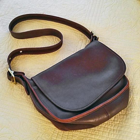 Coach Handbags - Vintage brown Coach original Patricia bag EUC