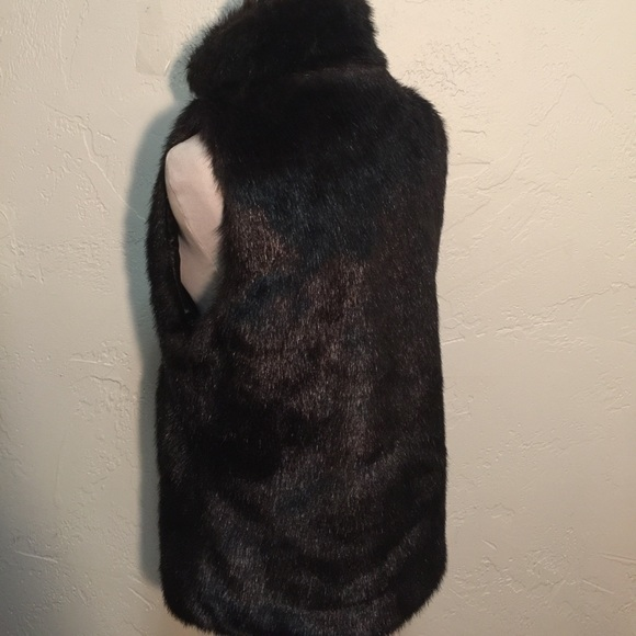 Michael Mccracken Offers Age Fighting Eye And Facial: Simply Vera Vera Wang Faux Fur