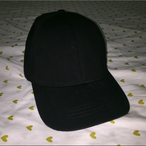 d4c2ad13 Zara Men Black Cap