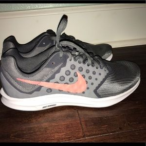 74887e6bdef49 Nike Shoes - Women s NIKE Downshifter 7 GRAY w PINK ACCENT NEW