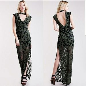 Dresses & Skirts - 🍸 Stunning olive/blk sheer choker dress
