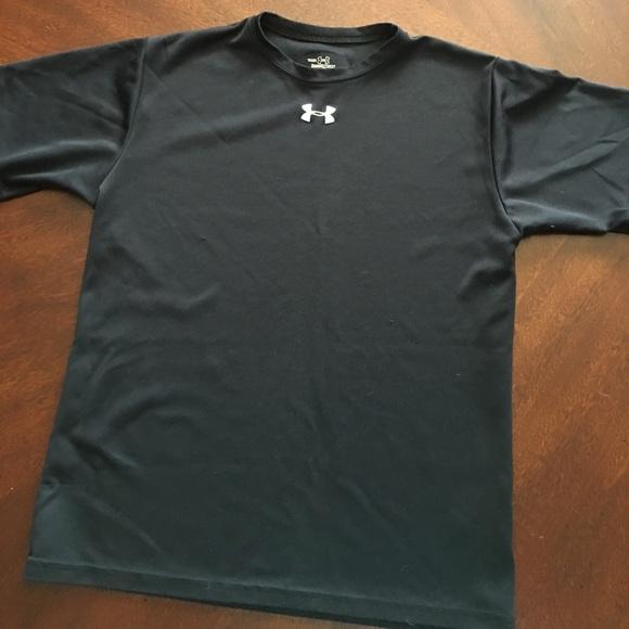 68 Off Under Armour Tops Under Armour Heat Gear T Shirt