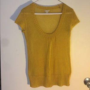 Sweaters - Vintage mustard yellow sweater shirt