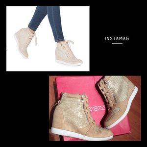 🎀 Wedge Sneakers 🎀