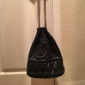 Handbags - Vintage Chanel quilted hobo bag
