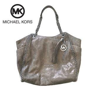 Michael Kors Chelsea large leather  shoulder Bag.