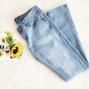 Denim - 🌞5 for 25!🌞 Light Wash Distressed Skinny Jeans
