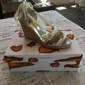 ba3ba138b20 Donald J. Pliner Shoes - Donald J Pliner Elsa Wedge in Bone Natural