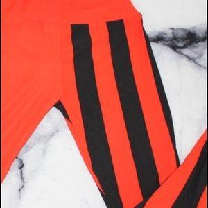 Lularoe Red Black Geometric  OS Leggings