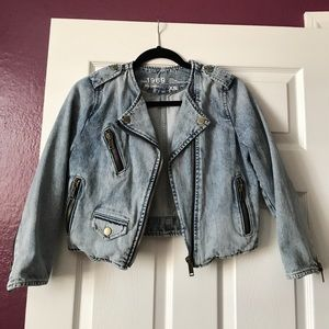 GAP Cropped Moto Denim Jacket