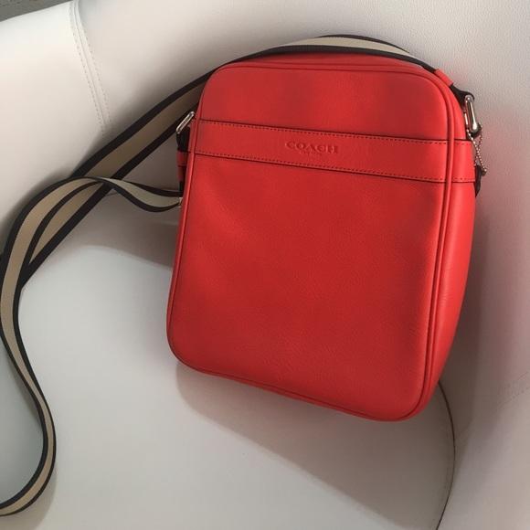 2130385551 Coach Bags