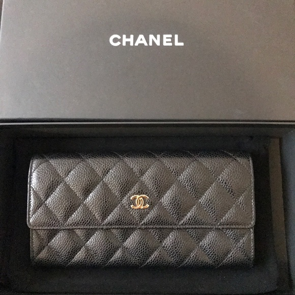 1955eab5535707 CHANEL Handbags - Chanel Classic Quilted Flap Wallet in Caviar