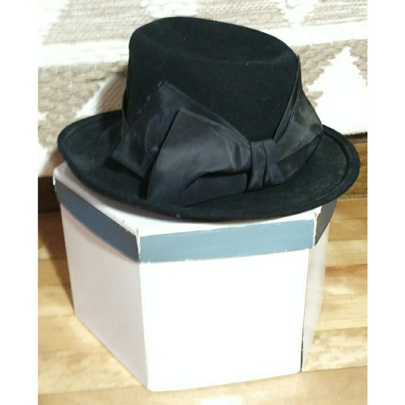 Bollman Hat Co. Accessories - Vintage Bollman Hat Co. Doeskin Felt Bow Hat 658a6c085b0