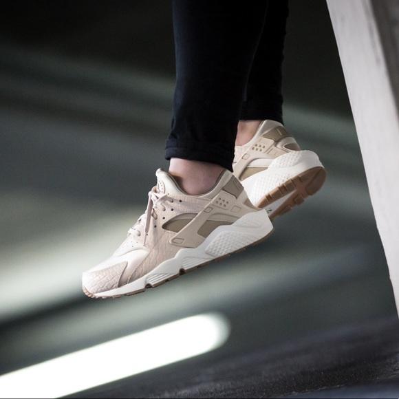 Nike Shoes   Nike Oatmeal Air Huarache