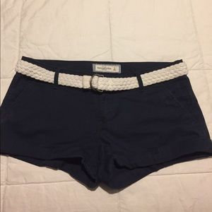 Abercrombie & Fitch navy shorts with belt