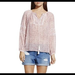 New with tags Two by Vince Camuto Top.
