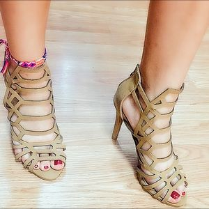 Tan stripes sandals