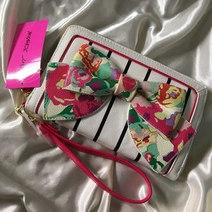 🎀NWT Betsey Johnson Floral Bow Oversized Wallet