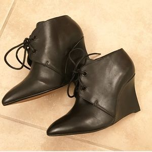 Clarks Narrative Ankle booties