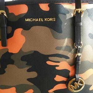 Michael Kors Jet Set Poppy Acid Poppy Orange Camo