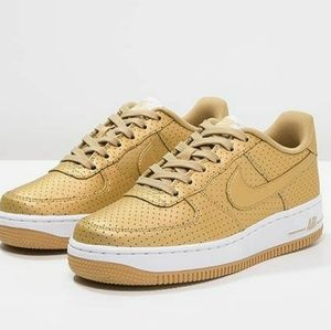 Nike air force 1 size 5 youth fits size 6.5 women