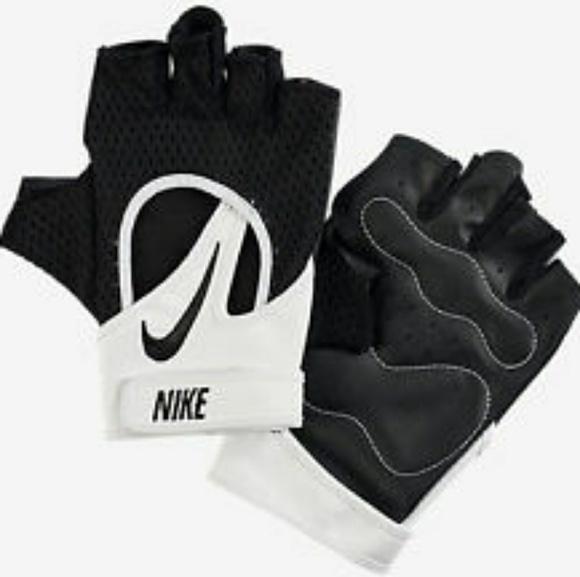 Nike women s Pro Elevate training gloves 2.0 f3b1d5d6b5