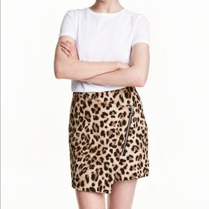 H&M Short skirt!!