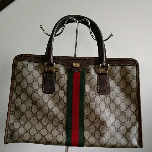 3927ab9e21de Vintage Gucci Bags Authentication   Stanford Center for Opportunity ...