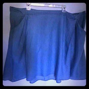 Light denim Old Navy skirt w/ elastic waistband