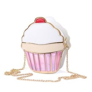 💥 ONE LEFT 💥 Cupcake Cross-body Bag Purse