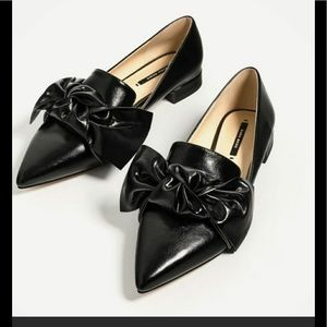 Zara flats with bow detail. New without tags