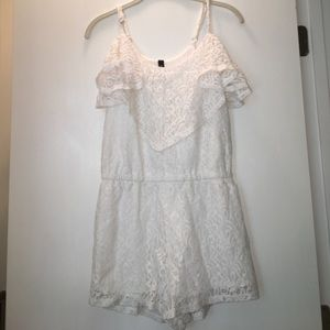 NWOT Jessica Simpson Cold Shoulder Lace Romper