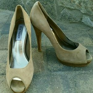 Steve  Madden Disobey Suede Pump Women's size 8