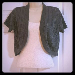 Sweaters - Gray short sleeve cropped cardigan