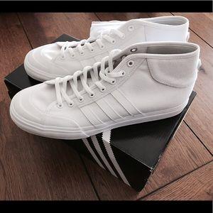 le adidas mens brand new poshmark