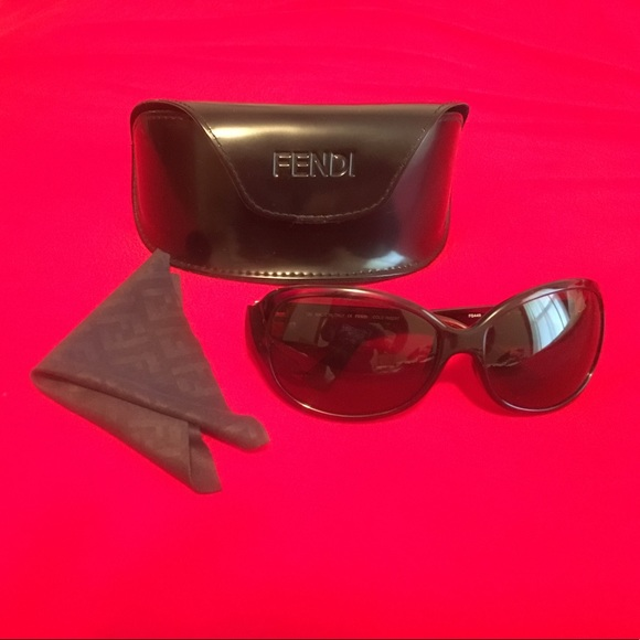 7e7a8731800 Fendi Accessories - Fendi Sunglasses With Case   Micro Clean Cloth
