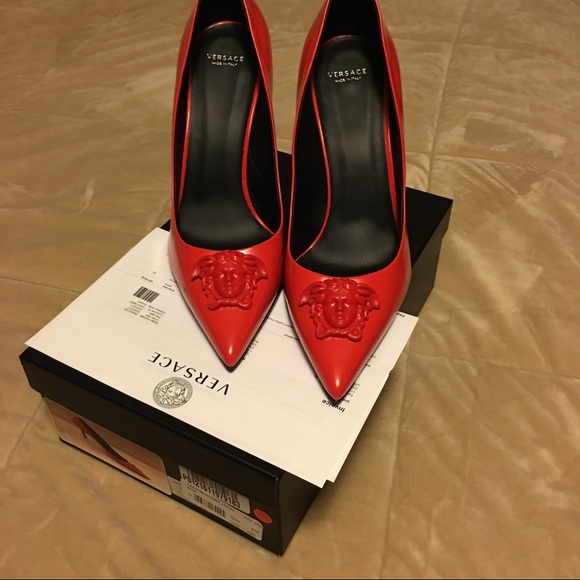 732468fe7324 Versace Palazzo Medusa Red Leather Pumps