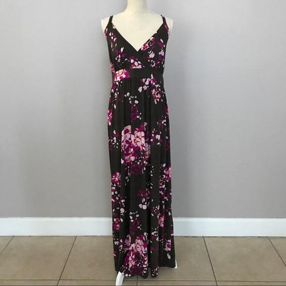 1661c740a NWT Maternity Liz Lange Floral Maxi Dress