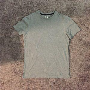 EUC Men's G by Guess T shirt Med