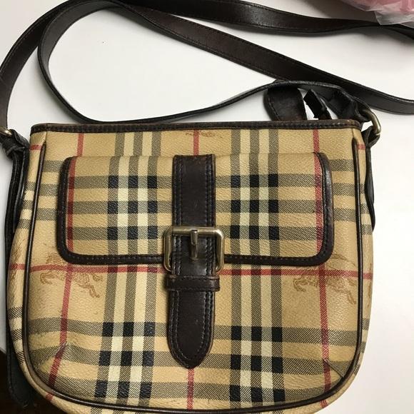 Burberry Handbags - Burberry crossbody bag 59d61723b1c4c