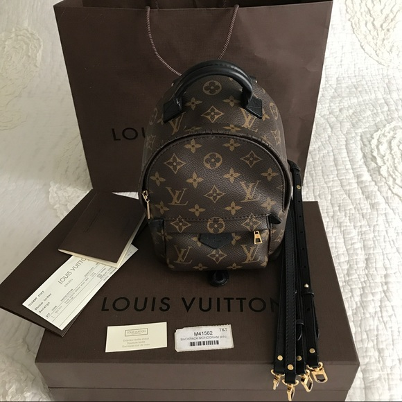 4285212a0ebd Louis Vuitton Handbags - 💠LOUIS VUITTON💠 Palm Springs MNG Backpack Mini