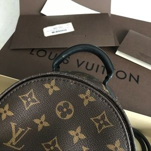 6d7af503f195 Louis Vuitton Bags - 💠LOUIS VUITTON💠 Palm Springs MNG Backpack Mini