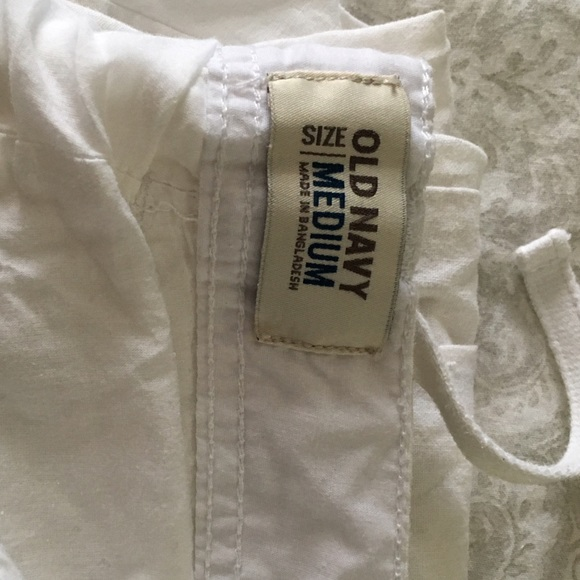 Linen clothing is great for your skin, is cool, and stylish; that's why Old Navy decided to bring its customers a variety of linen clothes that they could enjoy Monday through Sunday. Our linen clothing comes in a variety of styles and garments.