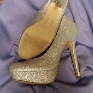 Shoes - Silver sparkle heels
