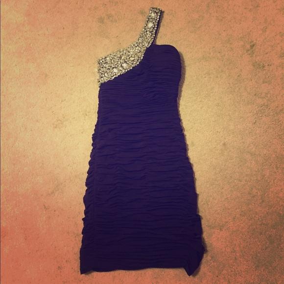 La Scala Dresses & Skirts - Scala formal dress