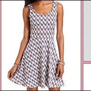 Sleeveless Scoop-Neck A-Line Dress